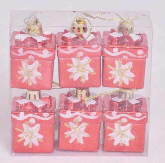 Image de Coffret 6 petits cadeaux suspendus pour décoration noël